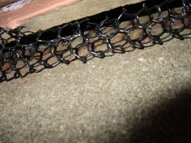 ネズミ対策の金網