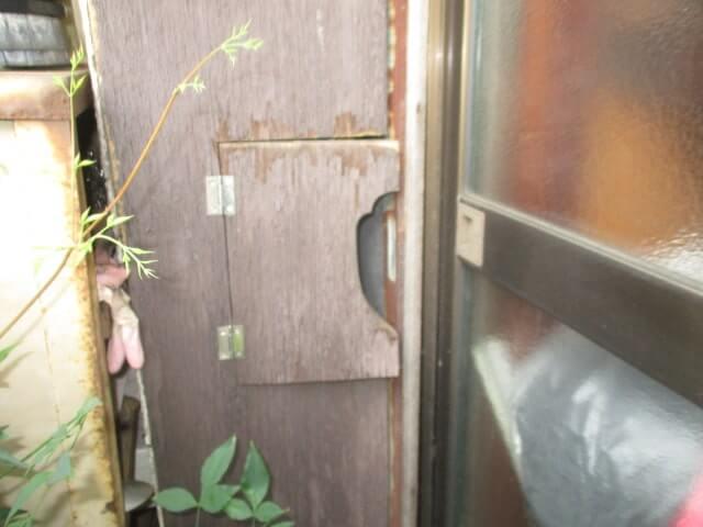 品川区のネズミ駆除の雨戸袋
